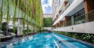 New Orient Hotel Danang - דה נאנג - בריכה