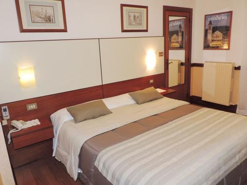 Hotel Signa - Perugia - Bedroom