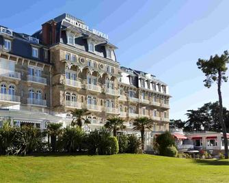 Hôtel Barrière Le Royal La Baule - La Baule-Escoublac - Gebouw