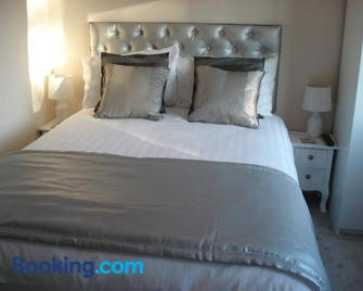 Denham Guest House - Uxbridge - Bedroom