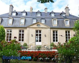 Hôtel d'Argouges - Bayeux - Building