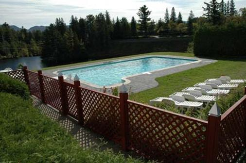 Prague Inn Suites And Cottages - Lake Placid - Pool