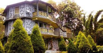 Dhardo Retreat And Resort - Kālimpong - Building