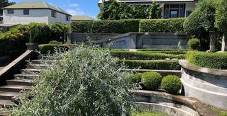 Villa Rosa - כרייסטצ'רץ' - נוף חיצוני