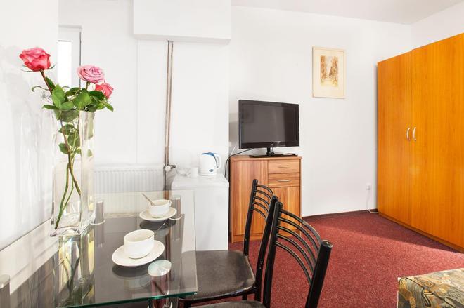 茲科夫公寓酒店 - 布拉格 - 餐廳