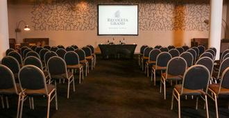 Recoleta Grand - Buenos Aires - Sala de reuniones