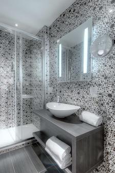 Best Western Plus Nice Cosy Hotel - Nice - Bathroom