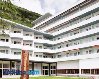 Schnider Bed&breakfast & Café - Vals - Building