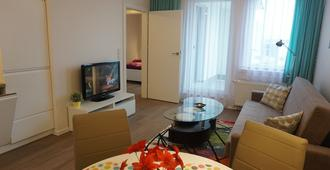 Apartment In Gdansk, Close To The Beach And Center, Wifi, Parking, Elevator - Danzig - Wohnzimmer