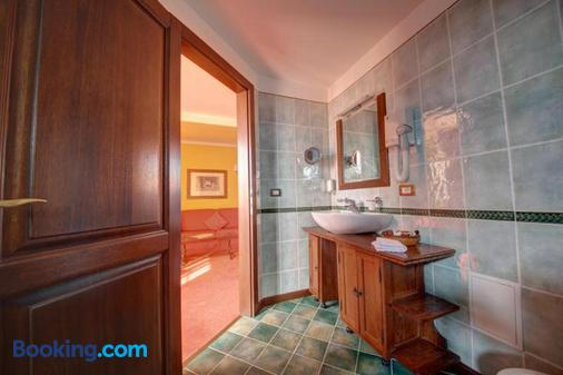 House Of Dracula - Poiana Brasov - Bathroom