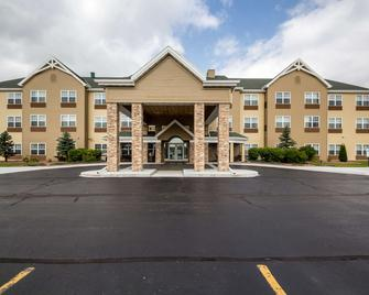 Country Inn & Suites by Radisson, Fond du Lac, WI - Fond du Lac - Gebäude