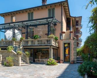 Villa Mery - Casale Monferrato - Building
