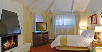Svendsgaard's Inn - Carmel-by-the-Sea - Bedroom