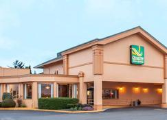 Quality Inn & Suites at Coos Bay - North Bend - Edificio