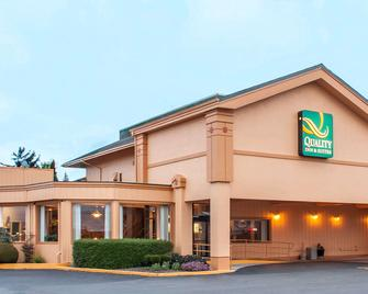 Quality Inn & Suites at Coos Bay - Норт-Бенд - Building