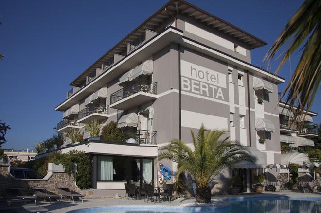 Hotel Berta - Desenzano del Garda - Building