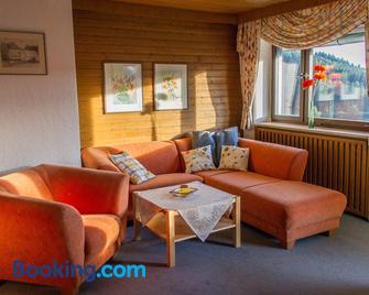 Ferienwohnung Haus am Dürrberg 'St. Georg' - Warmensteinach - Living room
