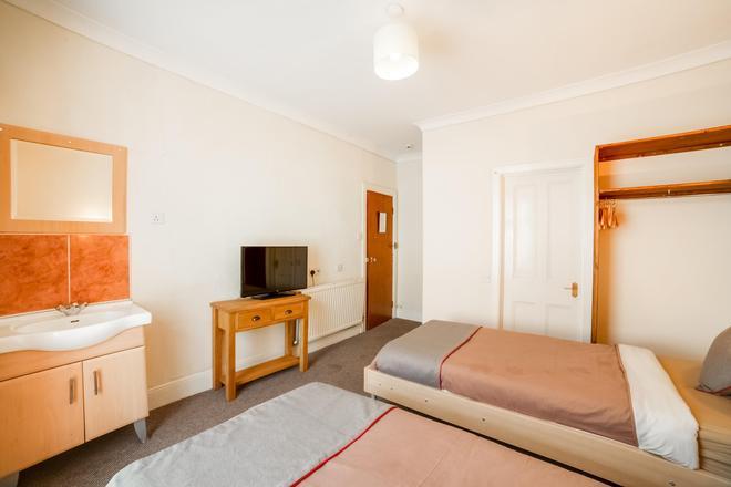 Hotel Miramar - Llanelli - Bedroom