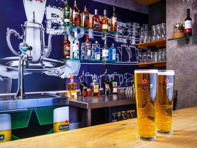 Ibis Budget Hotel Edinburgh Park - Edinburgh - Bar