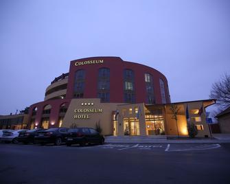 Colosseum Hotel - Morahalom - Building