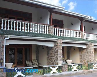 Sun Properties and Resort Hotel - Beau Vallon - Building