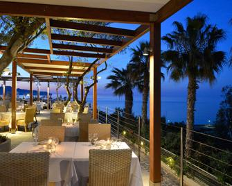 Panorama Hotel - Galatás - Ресторан