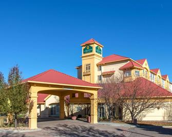 La Quinta Inn & Suites by Wyndham Denver Southwest Lakewood - Lakewood - Building
