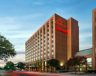 The Lincoln Marriott Cornhusker Hotel - Lincoln - Building
