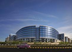 Andaz Delhi Aerocity- Concept by Hyatt - New Delhi - Building