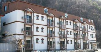 Blue Ocean Seorak Valley - Sokcho - Gebäude