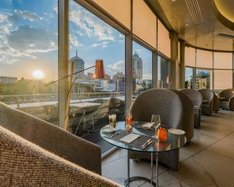 Radisson Blu Gautrain Hotel, Sandton Johannesburg - Йоганнесбург - Ресторан