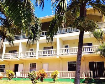 Island inn Apartments - Friendship Bay - Building