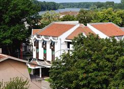 Tiski Cvet Hotel - Novi Bečej - Vista exterior