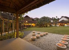 Ramada Resort by Wyndham Kochi - Kochi - Gebäude