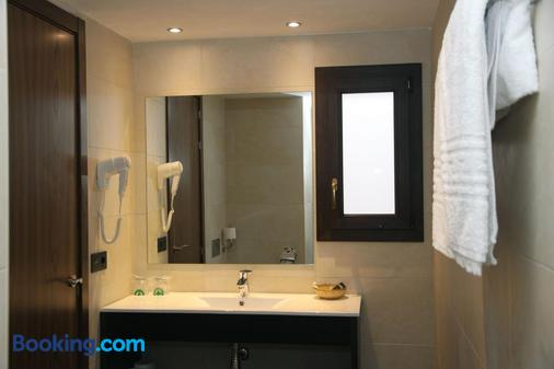 Petit Palau - Blanes - Bathroom