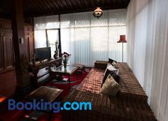 joglo Yudhistira - Sleman - Living room