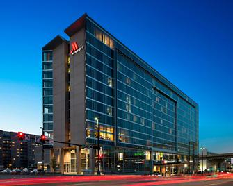 Omaha Marriott Downtown at the Capitol District - Omaha - Building
