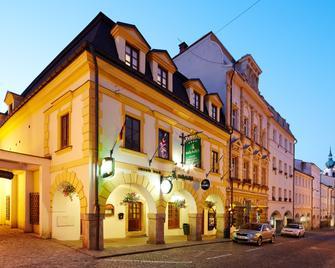 Nelly Kelly's Hotel - Trutnov - Building