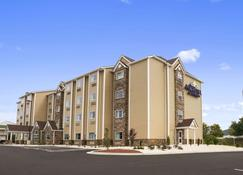 Microtel Inn & Suites by Wyndham Lynchburg - Lynchburg - Rakennus