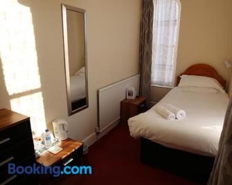 Bridge Guest House - Tiverton - Bedroom