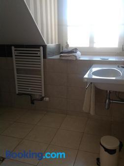 Villa Chanteraine - Fleury - Bathroom