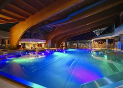Hotel Aquacity Mountain View - Poprad - Piscina