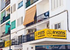 Ryans Pocket Hostel - Ίμπιζα - Κτίριο