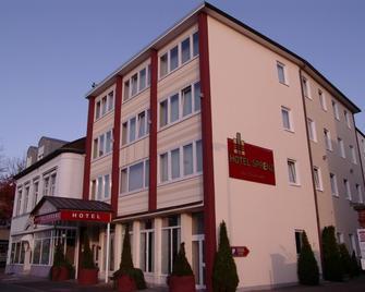 Hotel Sprenz - Ольденбург - Building