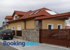 Penzion Rozkos - Pruhonice - Toà nhà