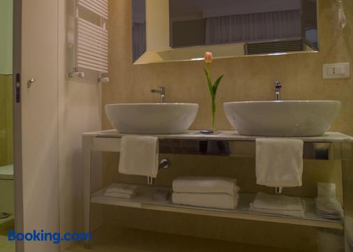 Hotel Miramare - Civitanova Marche - Bathroom
