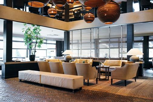 Van Der Valk Hotel Apeldoorn - De Cantharel - Apeldoorn - Lounge