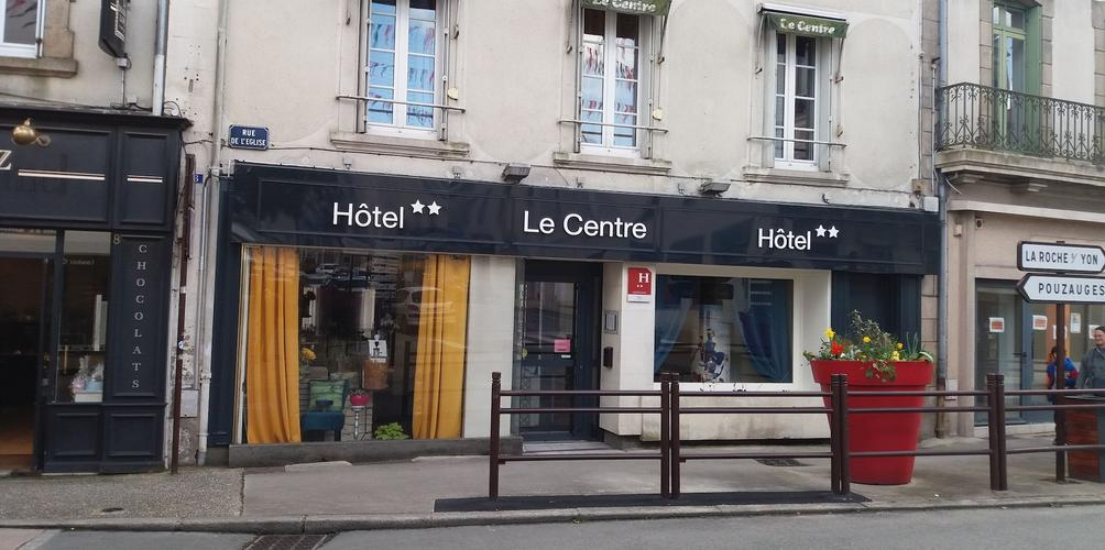Hotel Le Centre From 43 Les Herbiers Hotels Kayak