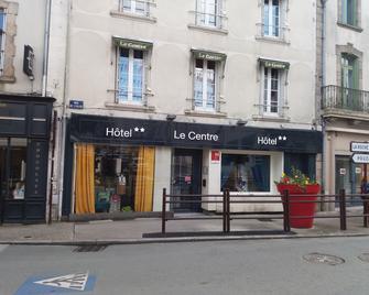 Hôtel Le Centre - Les Herbiers - Building