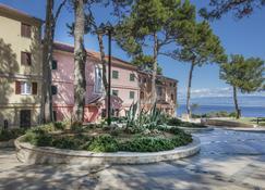 Apartments Punta - Veli Losinj - Outdoor view